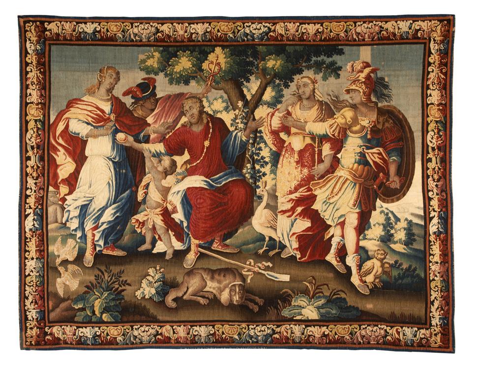 동서고금을 막론하고 사랑과 승리라는 영원한 인간적 주제가 또 있을까? 17세기 후반기 프랑스에서 제작된 이 벽걸이용 직물 장식품은 파리스가 헤라, 아프로디테, 아테네 3명의 여신들 중에서 아프로디테를 가장 아름다운 여인으로 고른다는 '파리스의 심판' 신화 속 일화를 묘사한다. 아름다움과 사랑은 모두 용서될 수 있는 높은 가치이지만 그에 대한 대가로 전쟁과 트로이 왕국의 멸망을 불러올 수 있다는 교훈을 보는 이에게 들려준다. ⓒ Museen für Kulturgeschichte Hannover