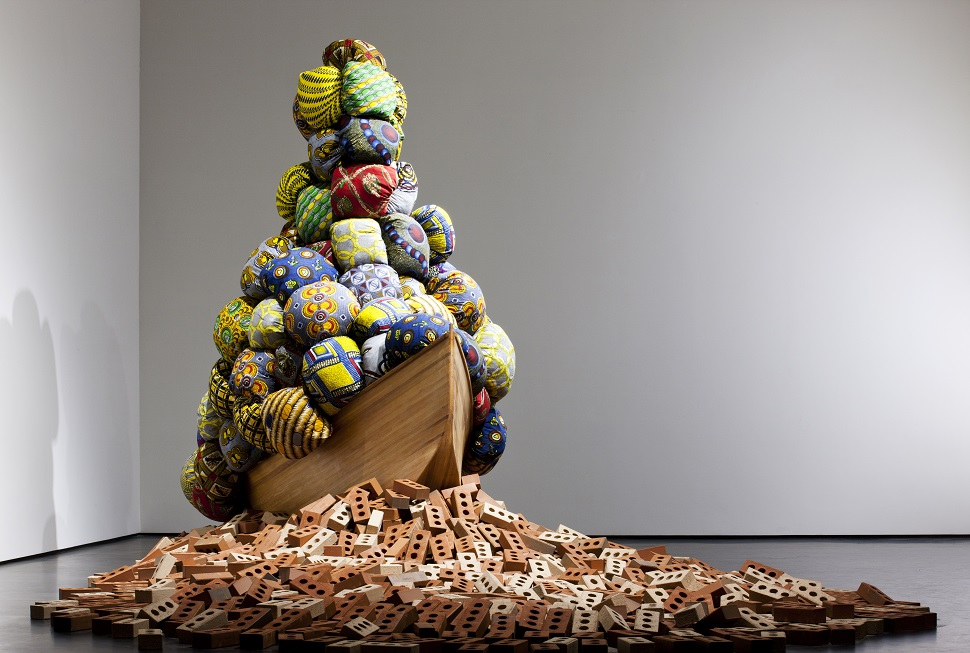 우손갤러리, 토구오 바텔레미, Barthelemy TOGUO, Road to Exile, 2013,  Dimensions variable(사진제공: 아트부산)
