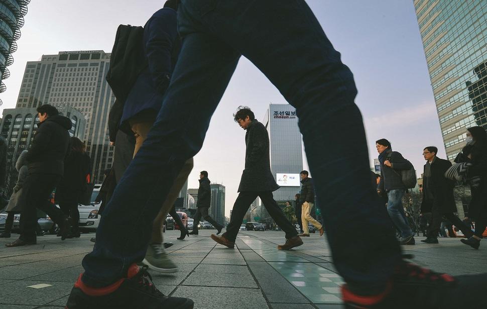 사진공모전 대상작 <긴 휴가가 끝난 아침 출근길> 하상윤 작 (사진제공: 대한상공회의소)