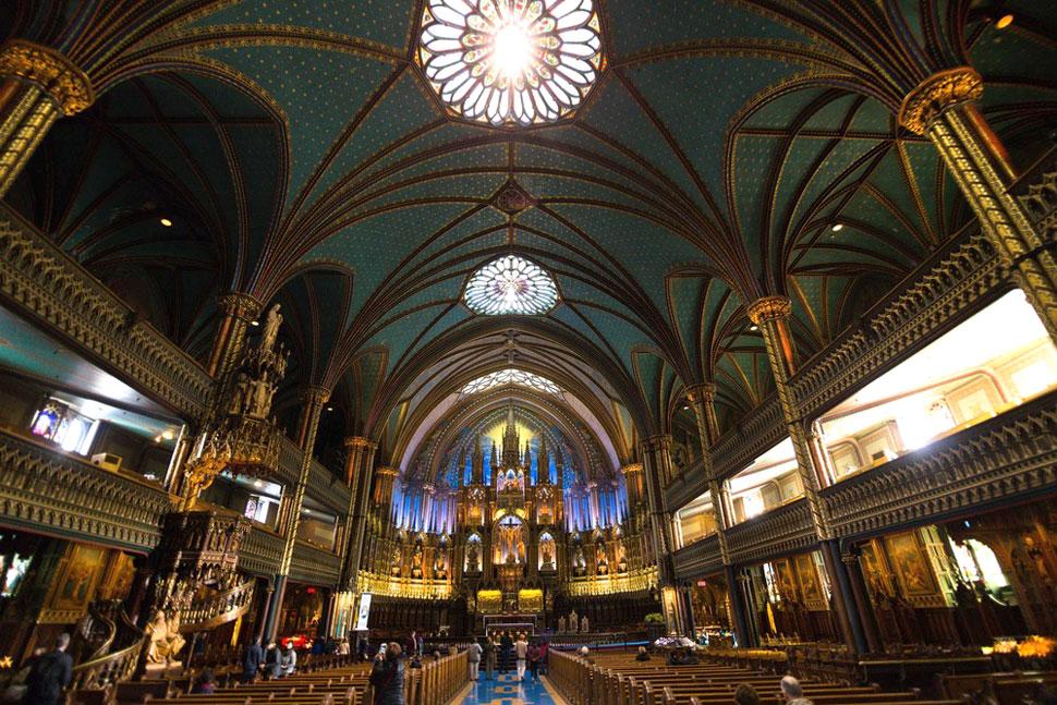 몬트리올 노트르담 대성당 내부. ©Moment Factory