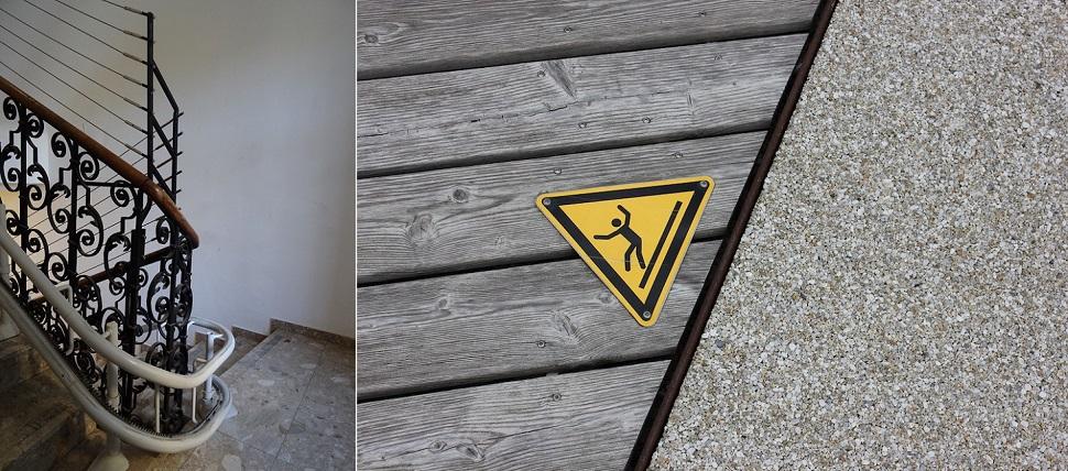 """(왼쪽) 오스트리아의 현행 건물 안전규정에 따르면 옛 건물에 설치된 고풍식 층계와 손잡이는 위험하므로 원 건축이 의도한 미관적 효과와 상관없이 현대식 안전 설비를 더해야 한다. Image: Andreas Ledl. (오른쪽) """"주의! 겨울철 젖은 나무 바닥은 미끄러울 수 있습니다."""" Image: 비엔나 경제대학 캠퍼스(WU-Campus Wien). Courtesy: 〈Form follows Rule〉 exhibition at Architekturzentrum Wien."""