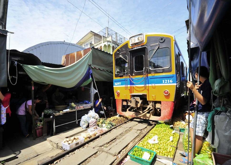 태국의 딸랏롬훕 시장 © 2007 Soranart Sinuraibhan.
