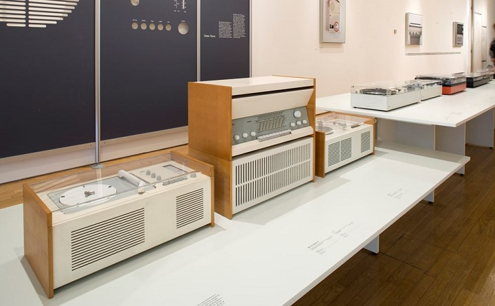 Radio & Record Player, Designed by Dieter Rams ⓒ Design Museum