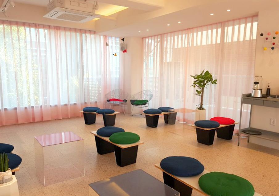 3층에 마련된 카페 (사진 제공: 프랑켄모노)