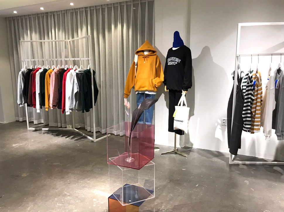 1,2층은 프랑켄모노의 의류와 패션 소품을 판매하는 곳이다. (사진 제공: 프랑켄모노)