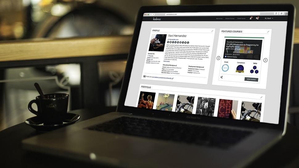 세계 여러 명문 디자인 및 기술 대학과 연구기관들과 제휴를 맺고 전 세계로 디자인과 테크 강의를 제공하는 카덴체(Kadenze) 온라인 교육 사이트. 우리나라의 서울예술대학교도 이 사이트를 통해 강의를 공유하고 있다. Image courtesy: ⓒ 2018 Kadenze, Inc.