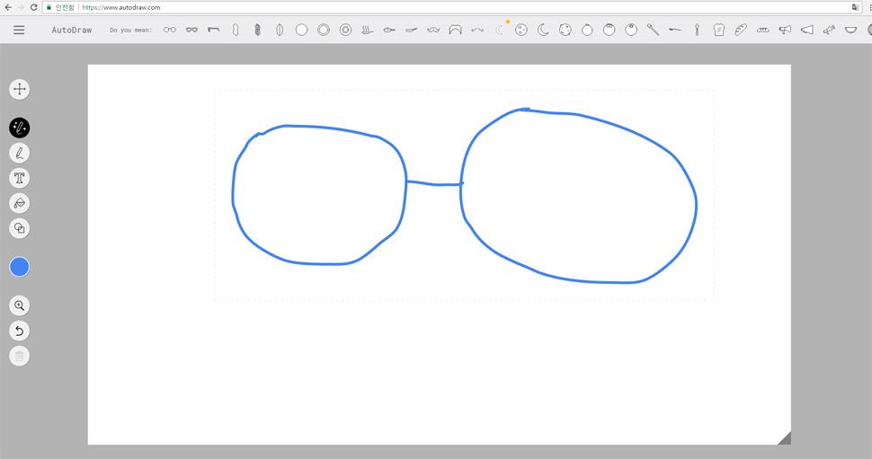 요렇게 동그란 원 두 개를 그리고, 가운데 선을 하나 쓱 그어주니, 상단에 추천 그림 리스트가 뜬다.
