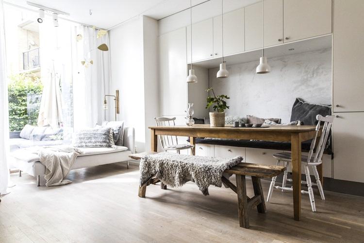 스칸디나비아 디자인을 기반으로 한 인테리어 스타일링 예시 ⓒ Niki Brantmark
