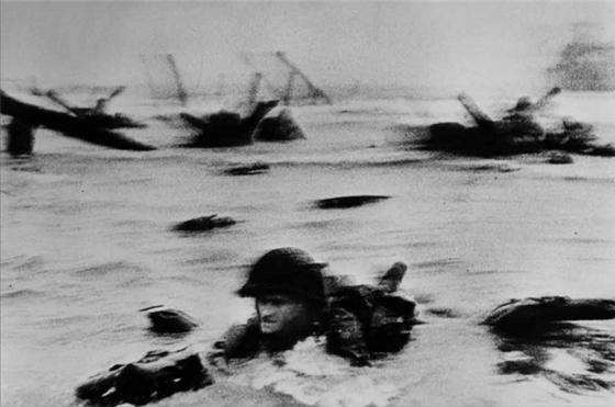 디데이, 노르망디, 프랑스, 1944년 6월 D-Day, Normandy, France, June 1944 © Robert Capa / International Center of Photography / Magnum Photos