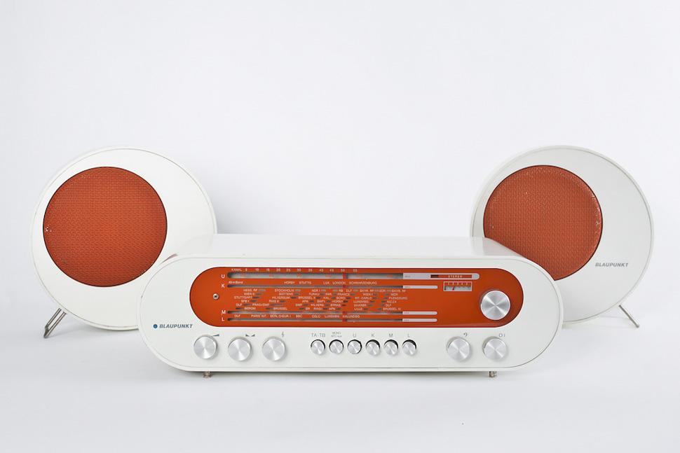 1970년대 디자인의 팝 미학이 응집된 'Pop 70' 라디오. 독일 전자제품 제조업체 블라우푼크트(Blaupunkt) 생산,1969/70년 출시. Photo: ⓒ Miriam Raneburger